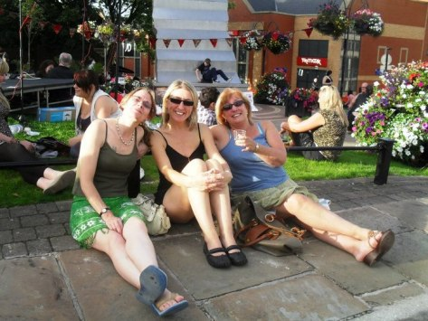 Three Wigan Women Diggers